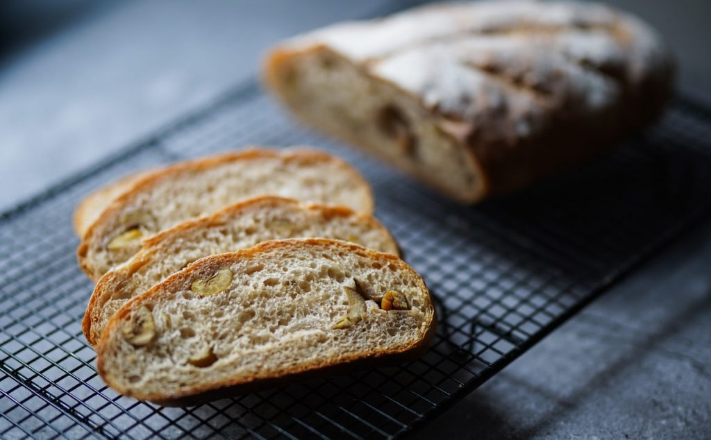 This image has an empty alt attribute; its file name is photo-of-baked-bread-on-black-metal-tray-1571073-1-1024x634.jpg